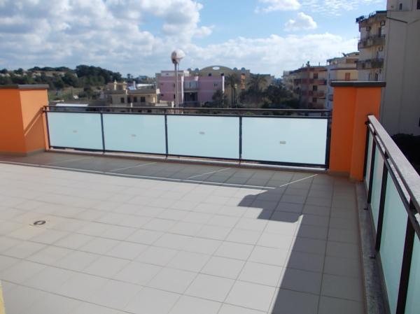 Attico di nuova costruzione con terrazza a livello - Casa Service Plus