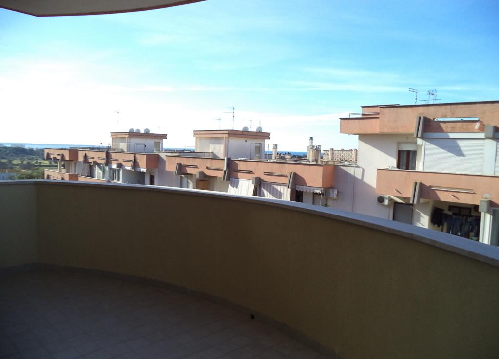 Appartamento 90 mq piano 3 con box e posto auto casa for Casa artigiana piani 3 box auto