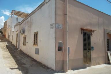 casa antica a Parabita