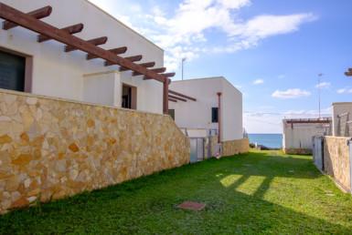 Capilungo casa in vendita fronte mare