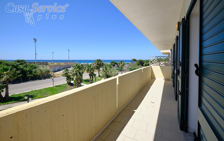 Gallipoli Lido San Giovanni - Appartamento vista mare con box auto di 30 mq in vendita