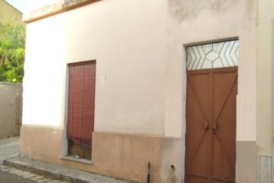 Abitazione indipendente ampia metratura a Casarano in vendita
