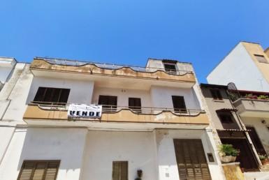 Matino - Zona centrale casa in vendita vista panoramica