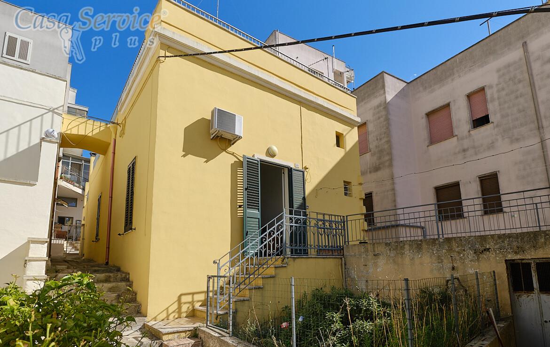 Abitazione con garage in vendita a Parabita