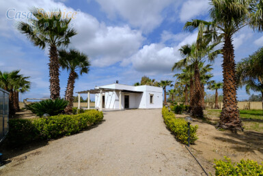 villa con piscina a Gallipoli