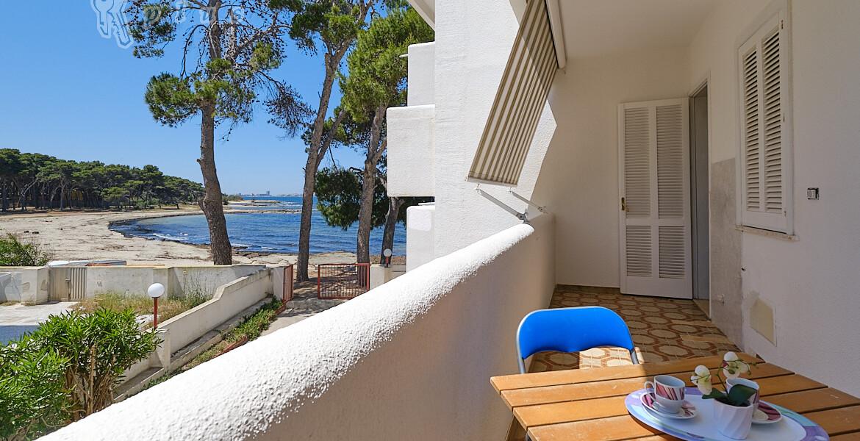 Gallipoli Rivabella - Vista mare con accesso privato in spiaggia in vendita
