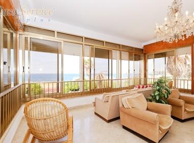 villa fronte mare a Santa Maria al Bagno in vendita