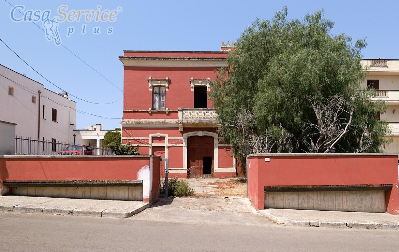 Palazzo storico a Galatone