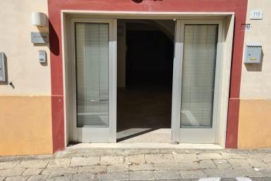 locale ufficio in vendita ad Alezio