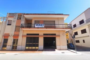 abitazione e garage in vendita a Parabita